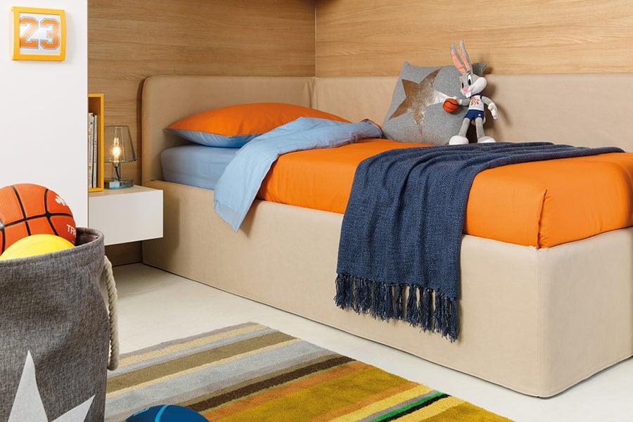 cameretta gialla blu divano letto