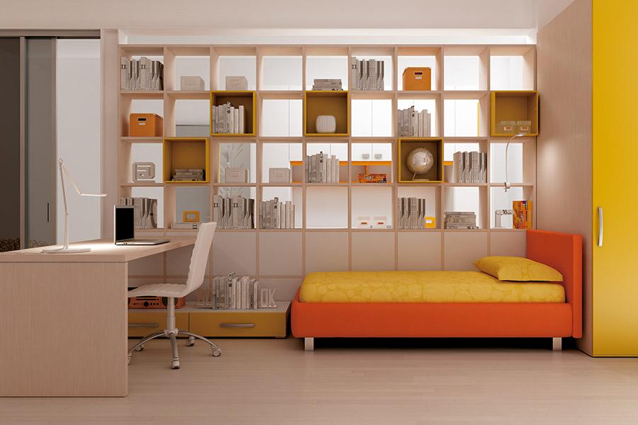Librerie per cameretta su misura: le soluzioni di qualità Moretti Compact armadio giallo letto arancione