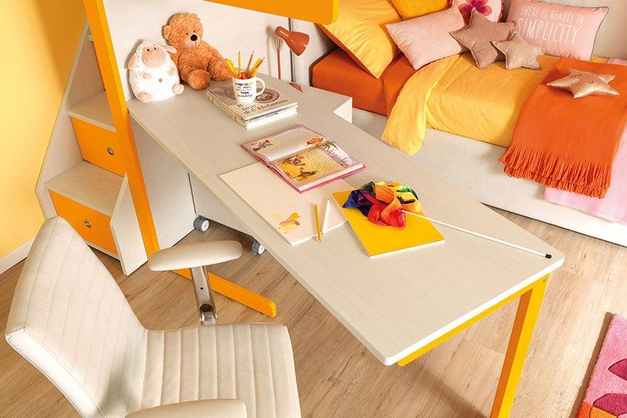 Qual è la scrivania perfetta per una cameretta piccola? Le soluzioni salvaspazio di Moretti Compact 4