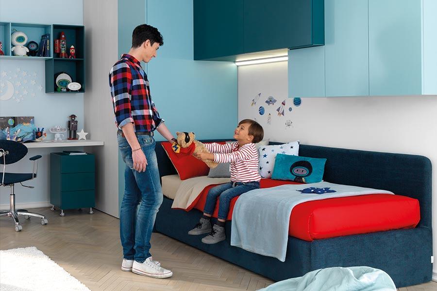 cameretta-figli-eta-diversa-rosso-blu